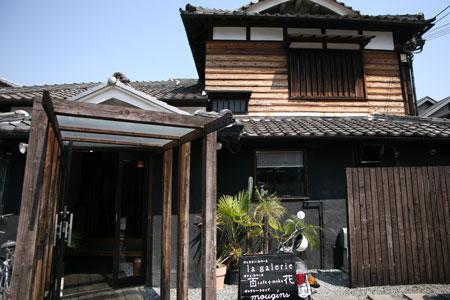 100501-cafe02.jpg